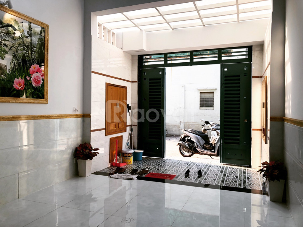Nhà Nguyễn Oanh, 4x14m, đường nhựa 12m, 4 tầng, tặng full nội thất.