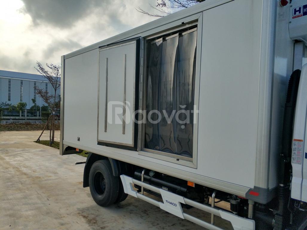 Xe tải Mitsubishi fuso canter 4.99 thùng đông lạnh