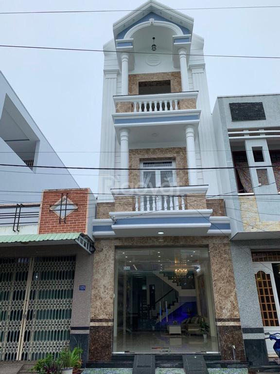 Bán nhà tại đường B27, KDC 91B, quận Ninh Kiều, full nội thất, giá tốt