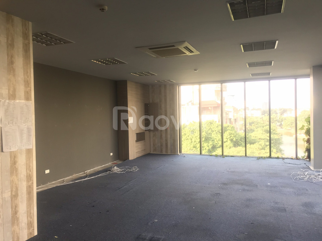 Cho thuê văn phòng 55-80m2 phố Chùa Láng, Đống Đa giá 23tr/th