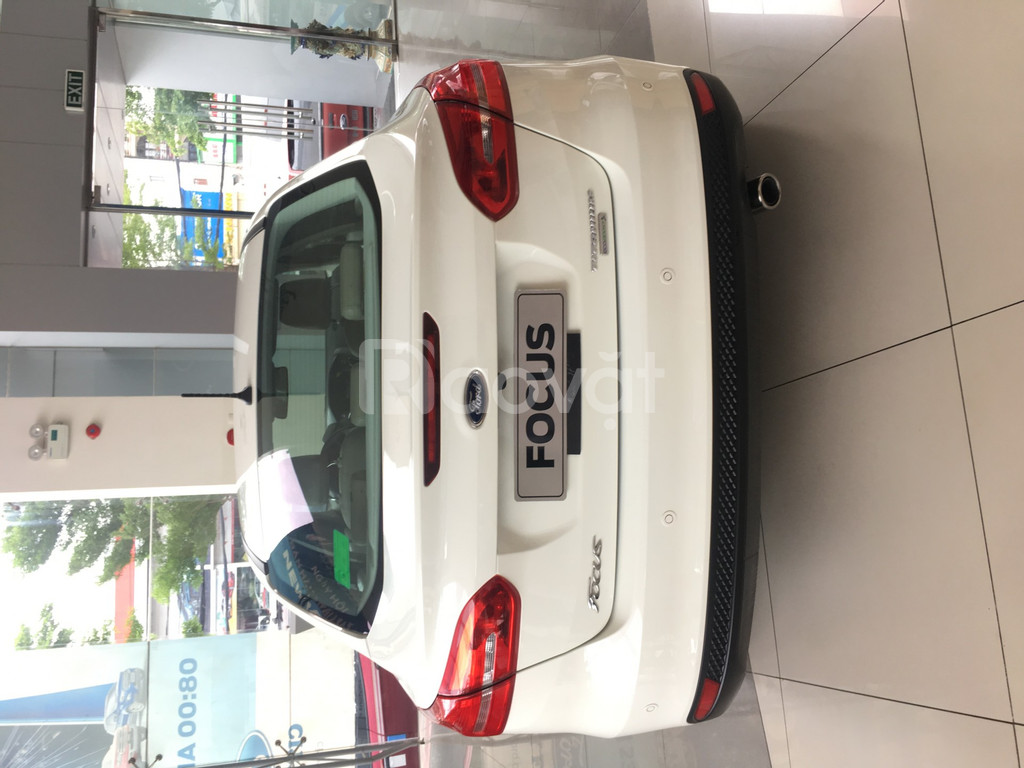 Ford Focus giao ngay