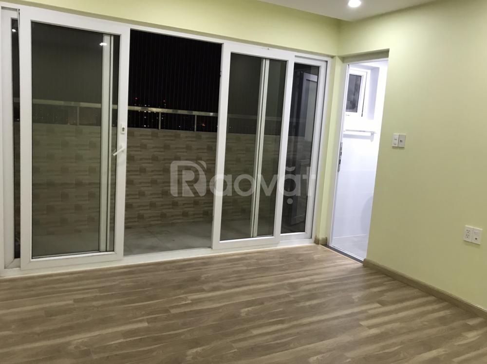 Cho thuê gấp căn hộ 3 phòng ngủ ở chung cư HVQP