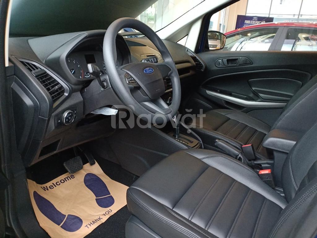 Ford Ecosport, giảm giá sốc, tặng combo phụ kiện