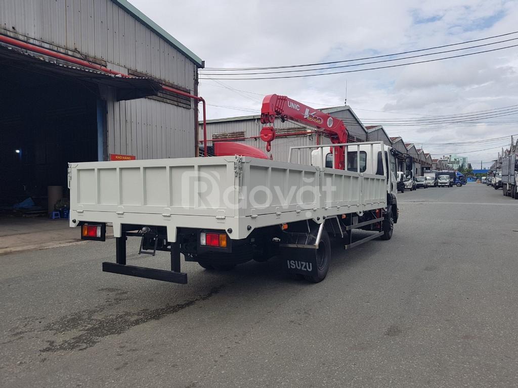 Xe cẩu Isuzu FRR650 5 tấn gắn cẩu Unic 3 tấn 5 khúc mới 100% đời 2019