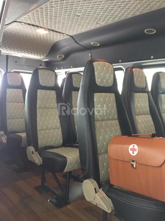 Ford Transit - Dòng xe du lịch quen thuộc, đảm bảo chất lượng