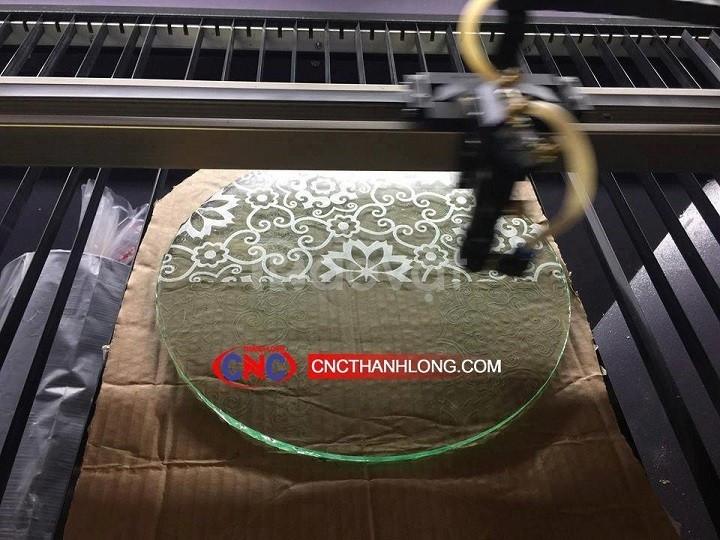 Máy cắt laser 1390 cắt quảng cáo, cắt gỗ, mica siêu đẹp