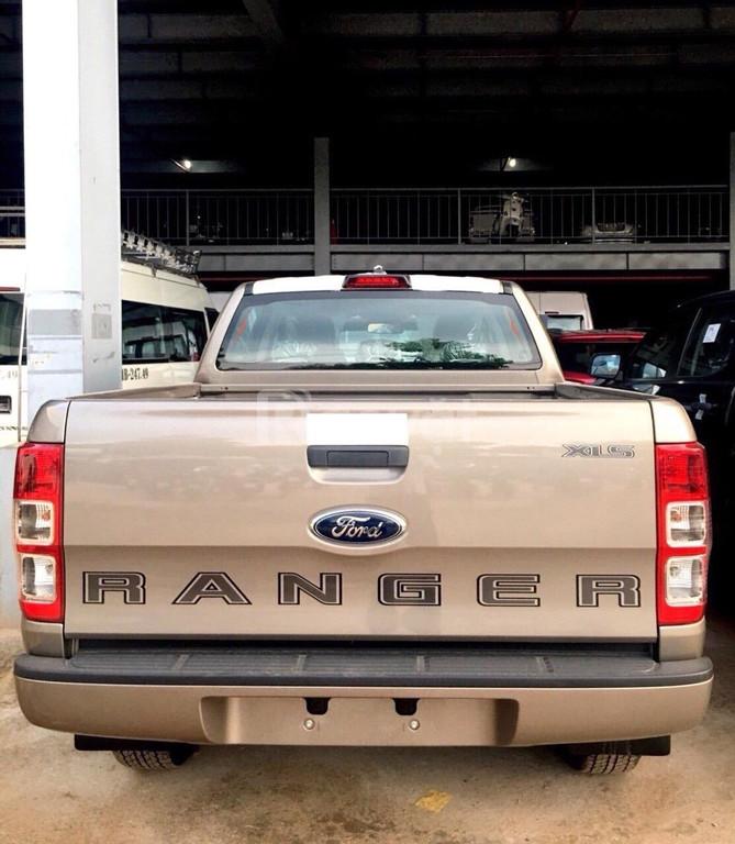 Ford Ranger giá tốt, KM lớn