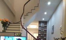 Bán nhà Phạm Văn Đồng chủ nhà để lại đầy đủ nội thất 42m2. giá 3 tỷ