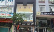 Cho thuê nhà số 133 Ô Chợ Dừa DT50m,MT5m, 2 tầng giá 45tr