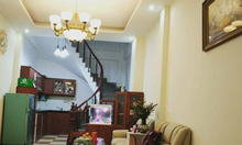 Bán gấp nhà riêng, lô góc phố Tôn Thất Tùng, giá 2,7 tỷ.