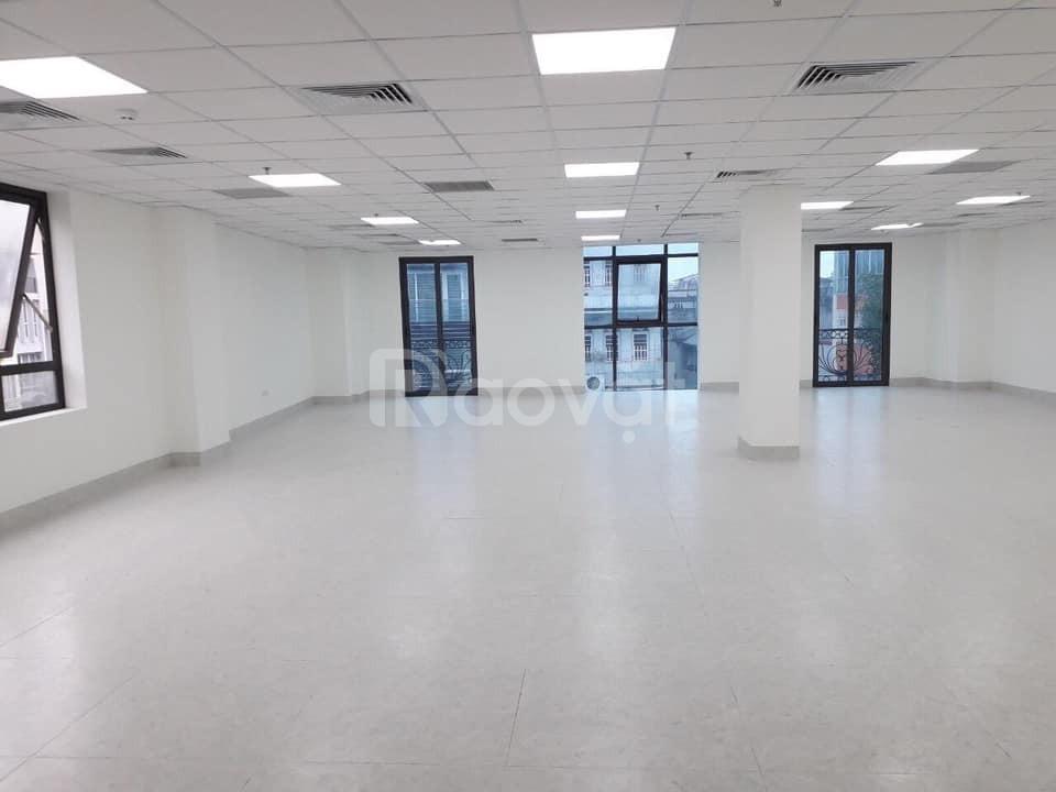 Cho thuê nha mặt phố  102 Chùa Láng MT 4.5m, DT60m (ảnh 1)