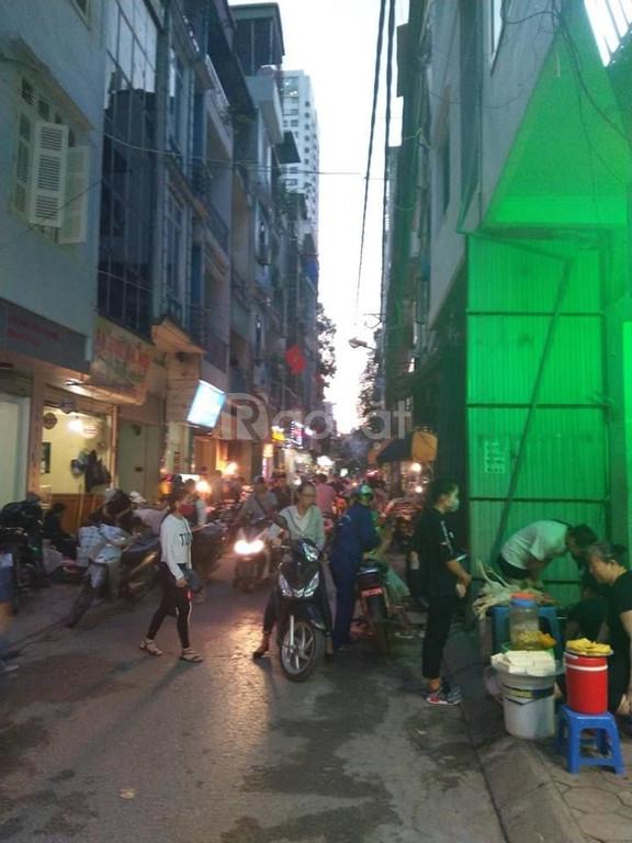 Bán nhà Khương Thượng 30m2, 5 tầng ô tô tránh kinh doanh sầm uất.