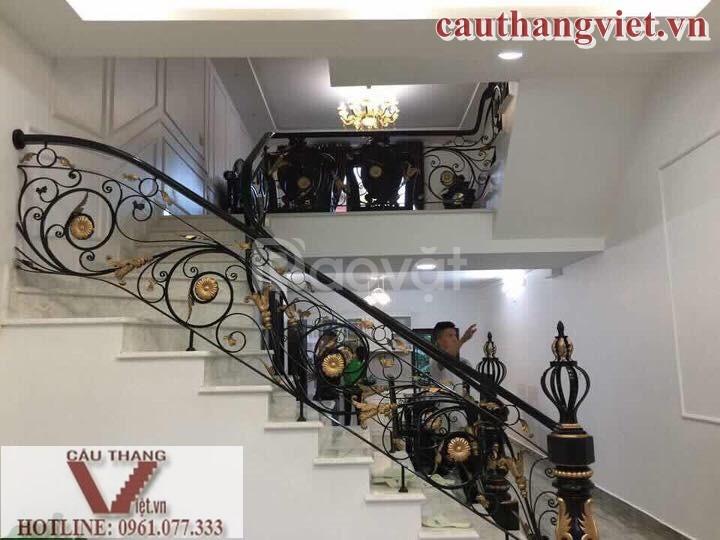 Lắp đặt cầu thang sắt mỹ thuật đẹp tại Hà Nội