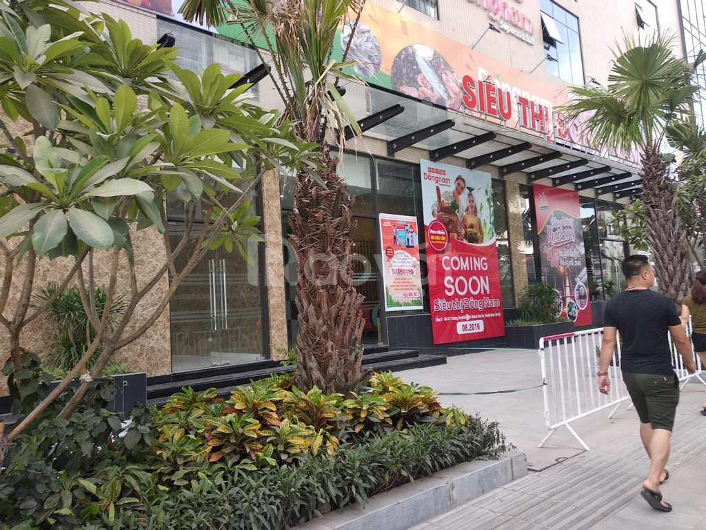 Cho thuê mặt bằng phố Duy Tân, vị trí đẹp ô góc kinh doanh tốt