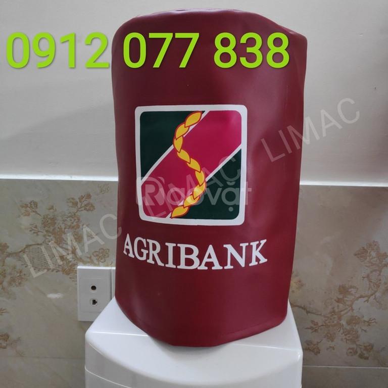 Áo phủ bình nước uống nóng lạnh màu đỏ in logo ngân hàng