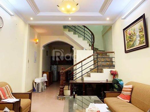Bán nhà đẹp Ngã Tư Sở, Đống Đa, 35m x 4 tầng, giá 3.3tỷ