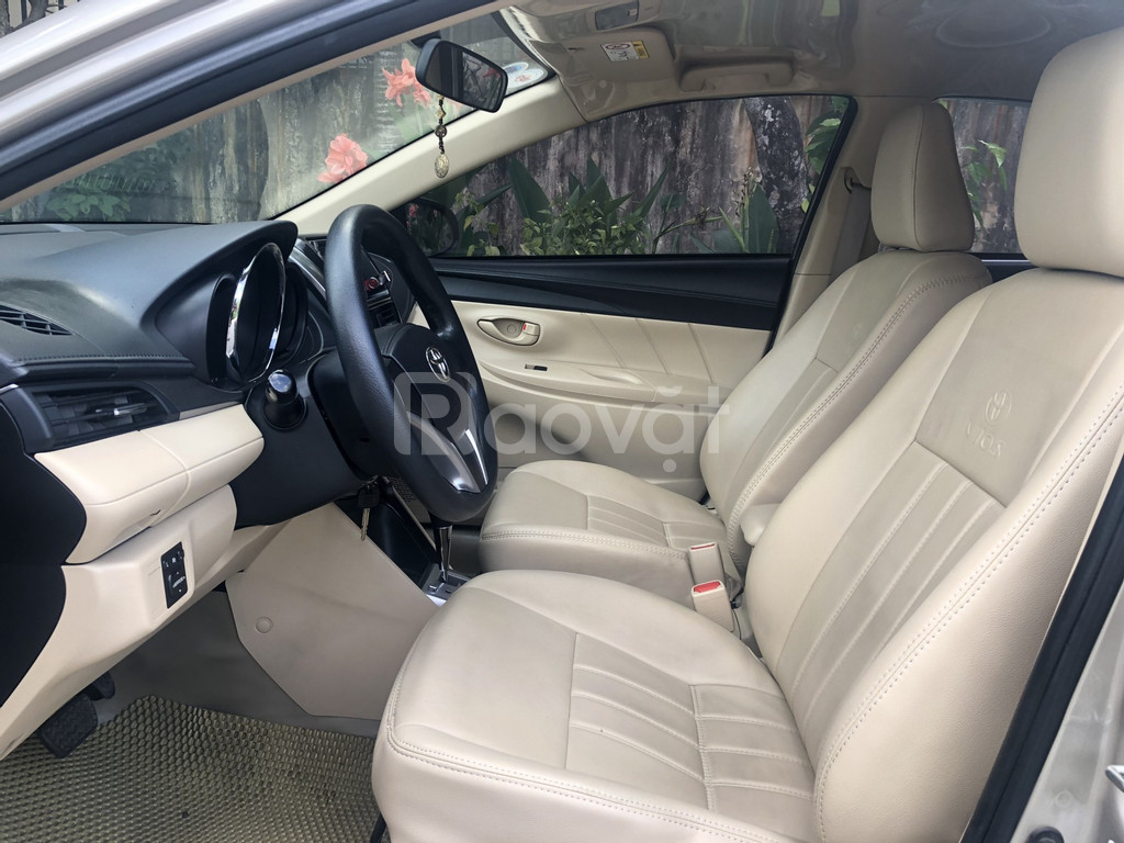 Cần bán xe Toyota Vios 1.5E CVT, đời 2018, màu vàng nâu