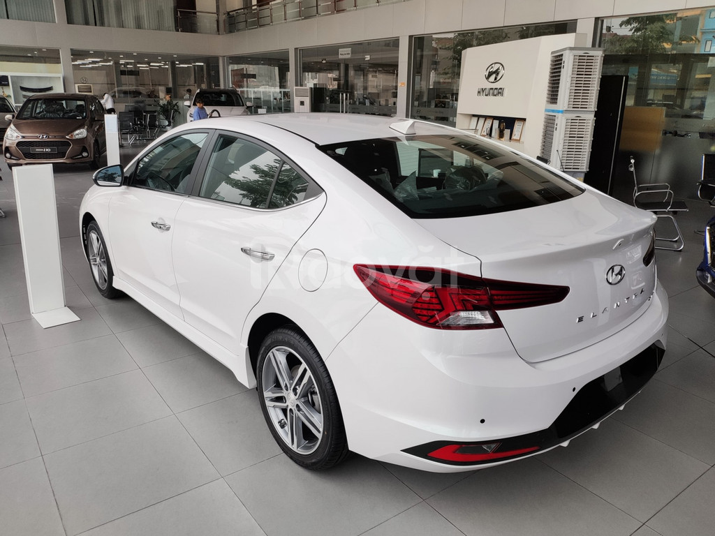 GIẢM NÓNG 50 TRIỆU Hyundai Elantra 2021 cam kết giá tốt