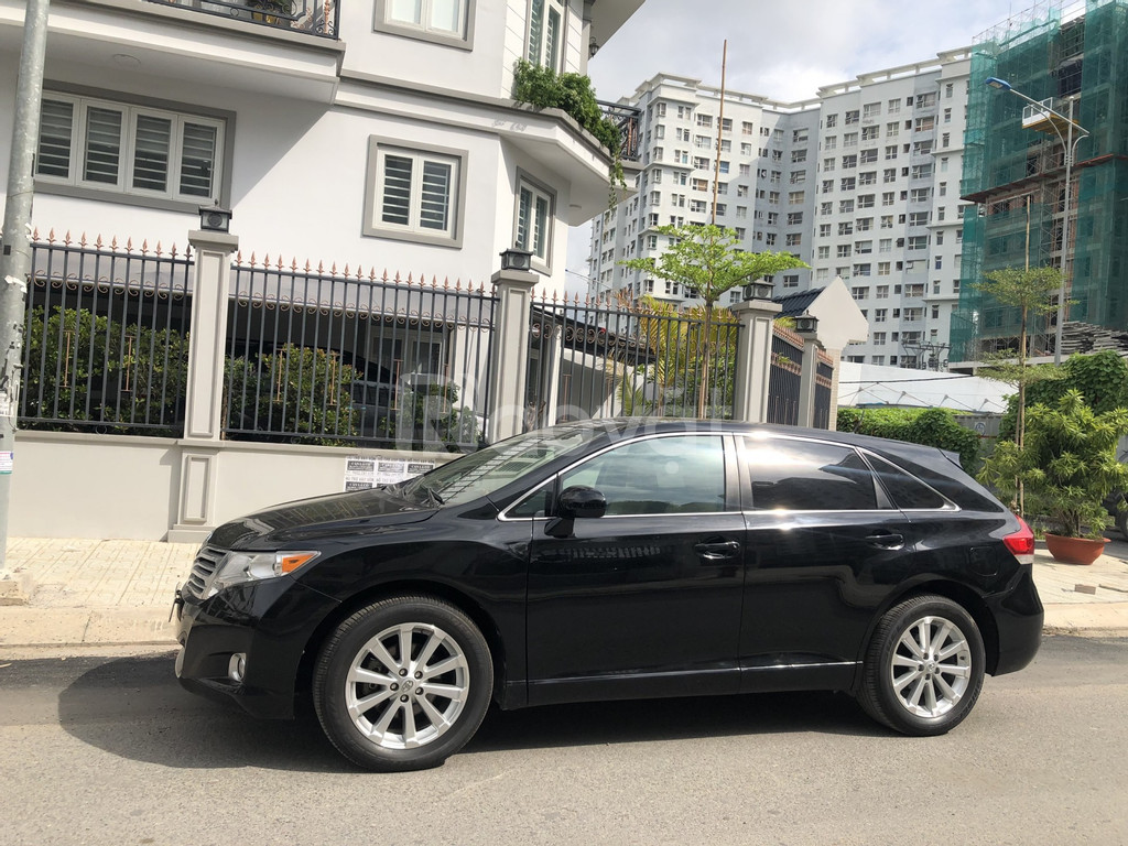 Cần bán xe Toyota Venza 2.7, mode 2010, màu đen, nhập Mỹ