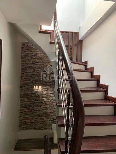 Chính chủ cần bán gấp nhà 38m X 5 tầng X 4 phòng ngủ