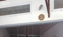 Cho thuê nhà 1 tầng, có gác xép, gần chợ Mỗ Lao, ô tô đỗ cửa.