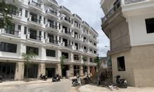 Nhà phố mặt tiền kinh doanh vị trí đẹp ngay cuối đường Lê Đức Thọ