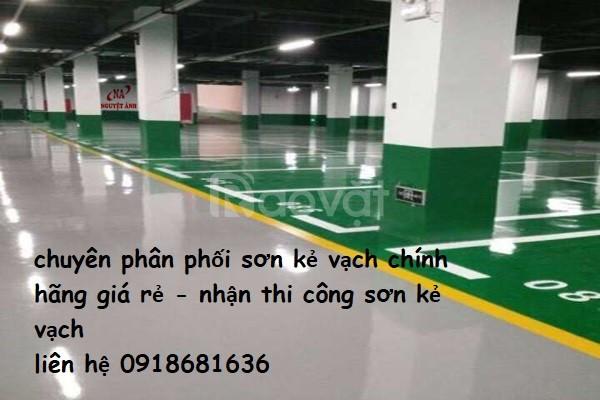 Bán sơn kẻ vạch màu trắng, màu vàng cho nhà xưởng tại Ninh Thuận