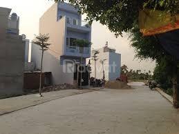 Cần thu vốn bán lô đất 125m2, gần KCN Lê Minh Xuân, sang sổ ngay