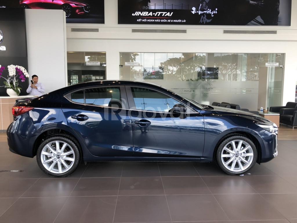 Mazda 3 cuối tháng ưu đãi sập sàn đến 70tr