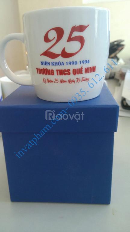 In gốm sứ cốc sứ quà tặng tại Huế