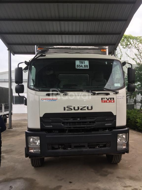 Giá xe tải Isuzu 9 tấn dài FVR34UE4 thùng dài 9 mét