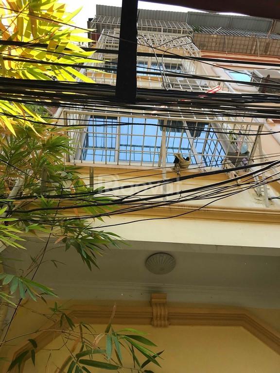Bán nhà 5 tầng mới xây Hào Nam – Đống Đa , nhà đẹp mới xây