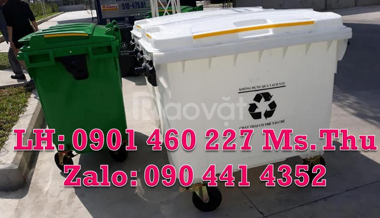 Xe đẩy rác 660L màu trắng, thùng rác y tế 1000 lít màu vàng