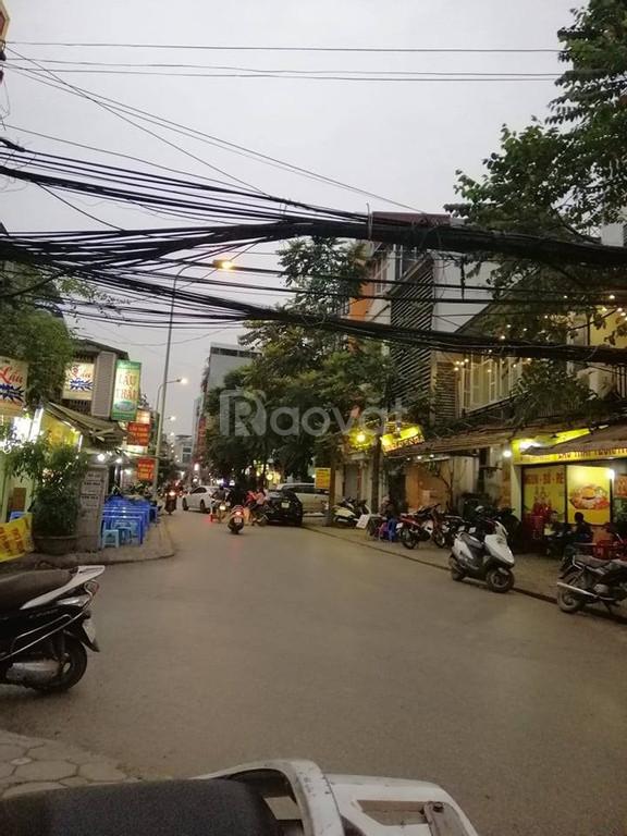 Bán nhà Ngã Tư Sở diện tích 40m2 mặt tiền 7m kinh doanh sầm uất