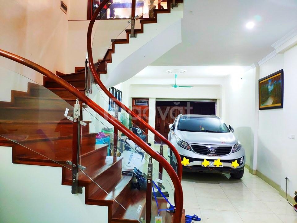 Nhà đẹp Thanh Xuân, nhà có gara ô tô, mặt tiền 6.5m, nhà 5 tầng.