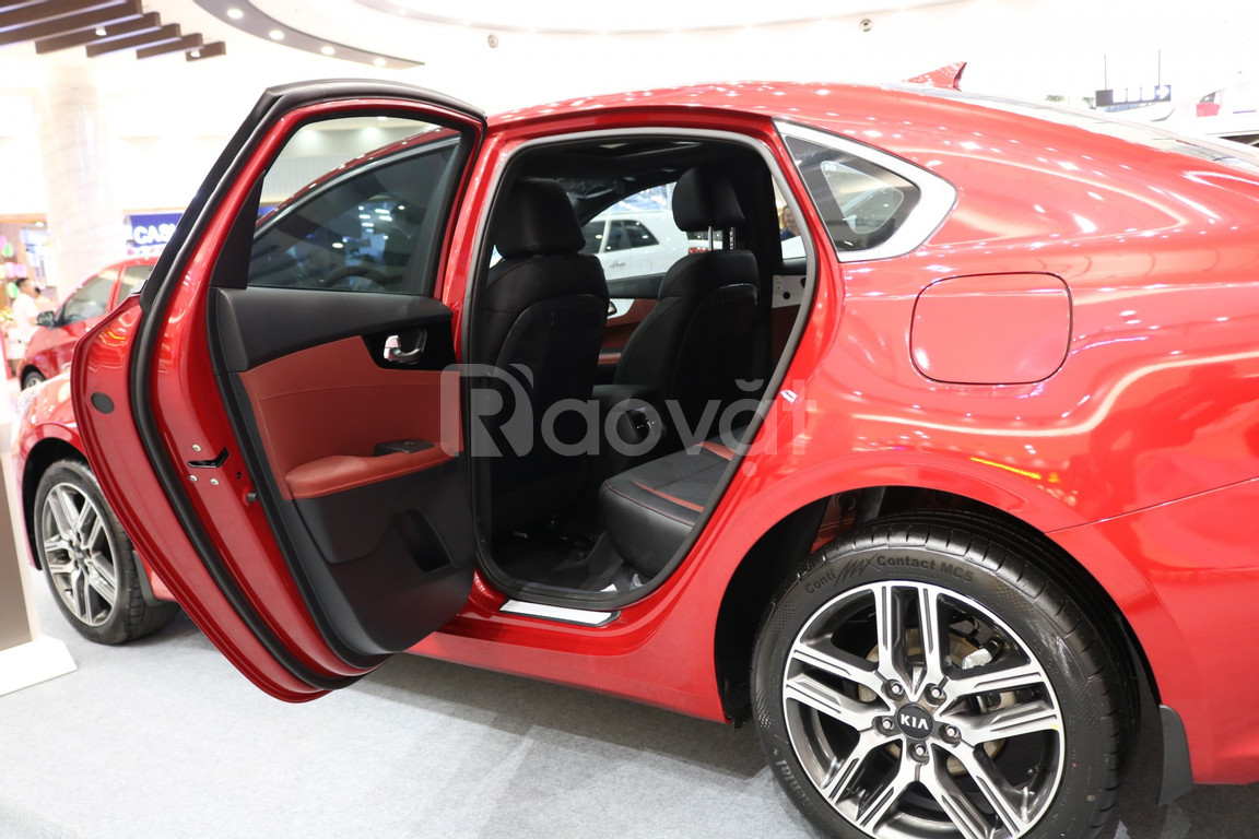 Kia Cerato cọc 5tr nhận ngay 20tr + quà khi mua xe