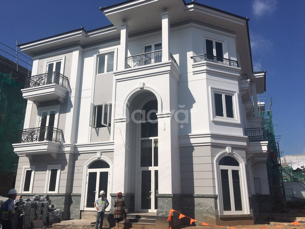 Bán biệt thự view sông quận 2, thiết kế tân cổ điển Pháp Sol Villas
