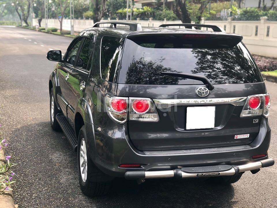 Bán xe Fortuner 2014, số tự động, máy xăng, màu xám trì