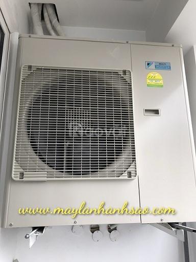 Dàn nóng máy lạnh multi Daikin 1 chiều 5MKM100RVMV giá mềm tại Ánh Sao