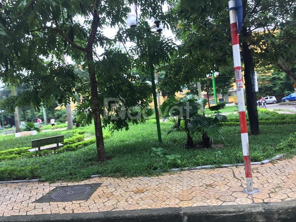 Bán nhà Trần Quang Diệu 50m2, 8tỷ, thang máy, ô tô đỗ gần, ở luôn