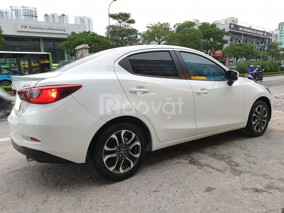 Cần bán xe Mazda2 sedan 2016 số tự động màu trắng tinh