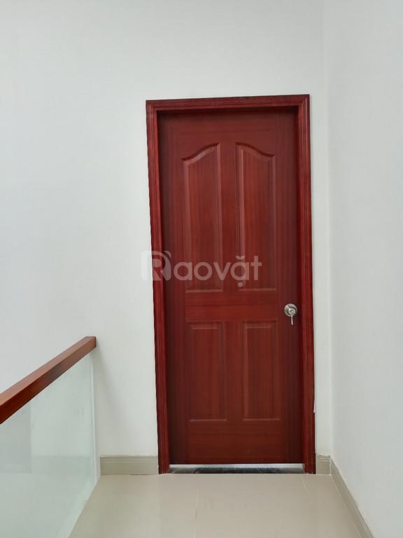 Cửa gỗ công nghiệp cho cửa phòng giá rẻ HDF veneer ở Bình Tân