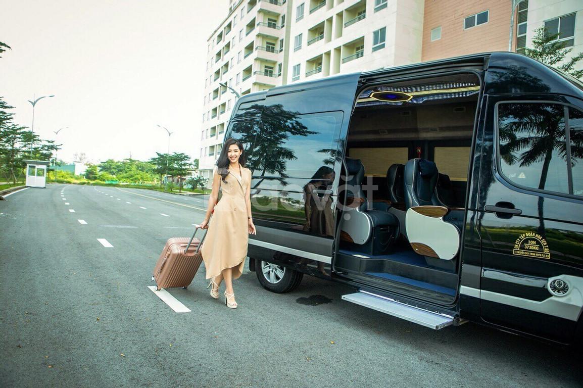Thái Dương Limousine cho thuê xe limousine 16 chổ