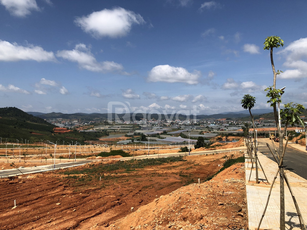 Bns đất biệt thự Đà Lạt, giá chỉ 5 tỷ đường ô tô kinh doanh tốt.