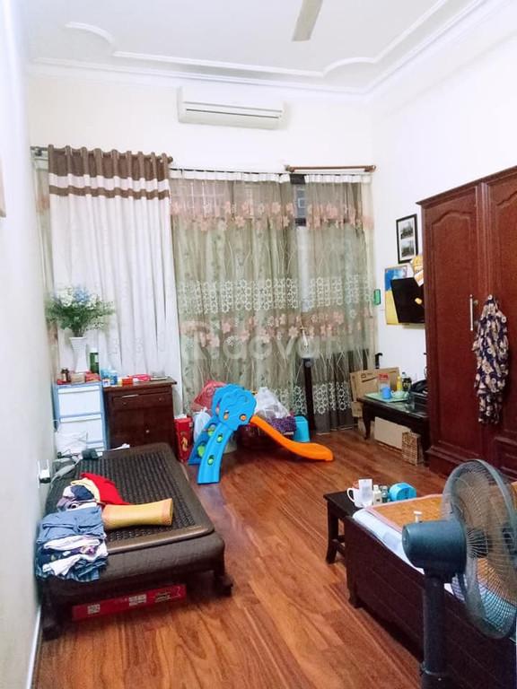 Chính chủ bán nhà tại Văn Cao, P.Vĩnh Phúc, Ba Đình, Hà Nội 45m2.