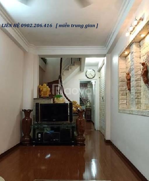 Cần bán gấp nhà ngõ Thái Thịnh 1 - DT 37m2, 4 tầng, 4 PN