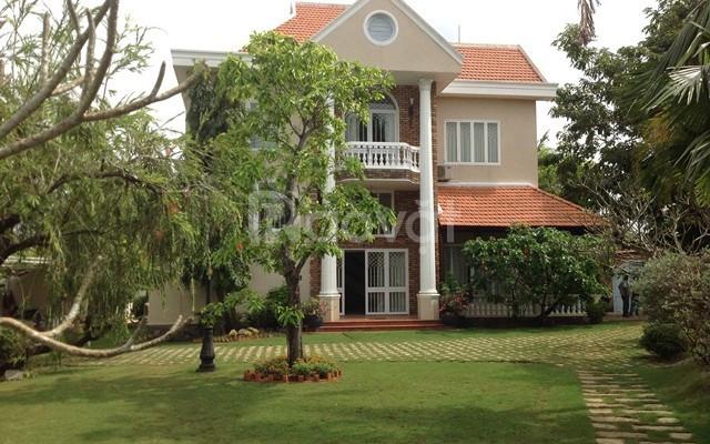 Bán nhà Villa Hồ Biểu Chánh, đoạn đường lớn, DT 30x27m, giá chỉ 100tỷ