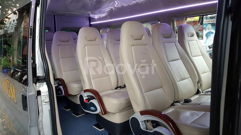 Cho thuê xe du lịch 16 chỗ giá rẻ tại TP.HCM