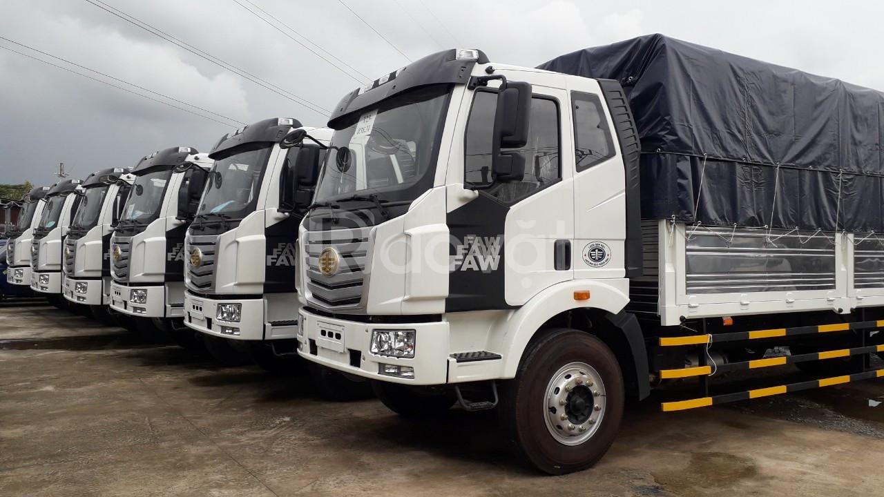 Xe tải Faw thùng dài 9.7m tải 8 tấn đời 2019 màu trắng