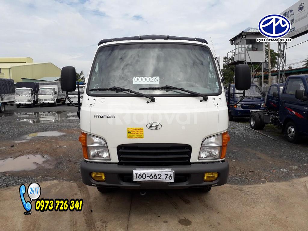 Xe tải Hyundai N250 tải 2t4 thùng dài 4m4.
